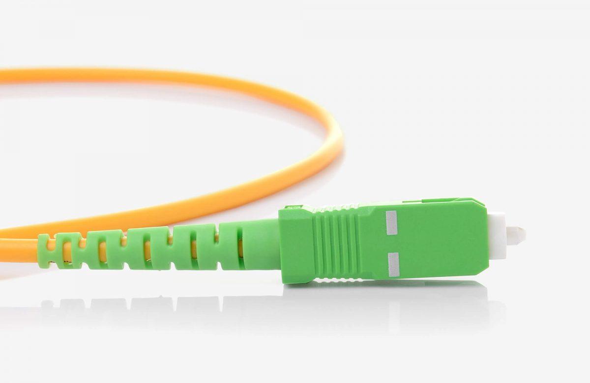Fibre optics patch cable connector end